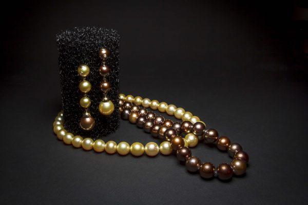 Collares de perlas Tahiti y Chocolate Jose Luis Joyero Malaga