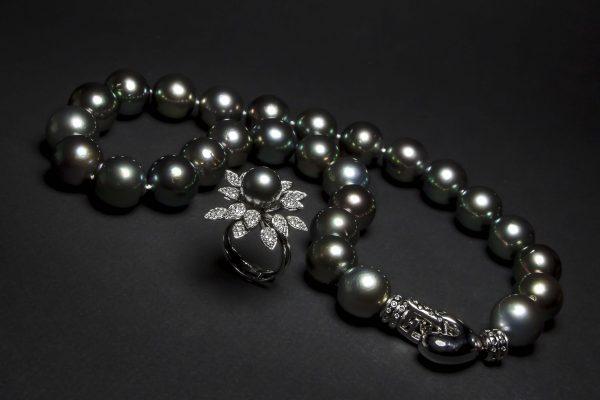 Collar de Perlas de Tahiti Jose Luis Joyero Malaga